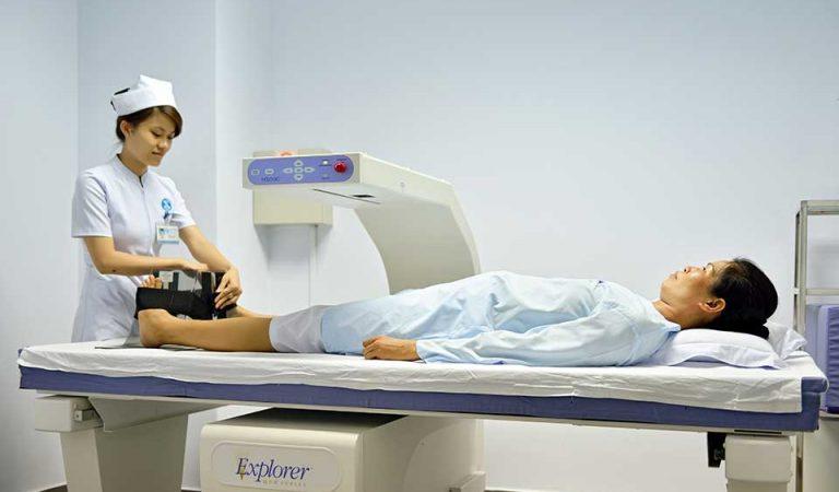 Đo loãng xương cho bệnh nhân lớn tuổi